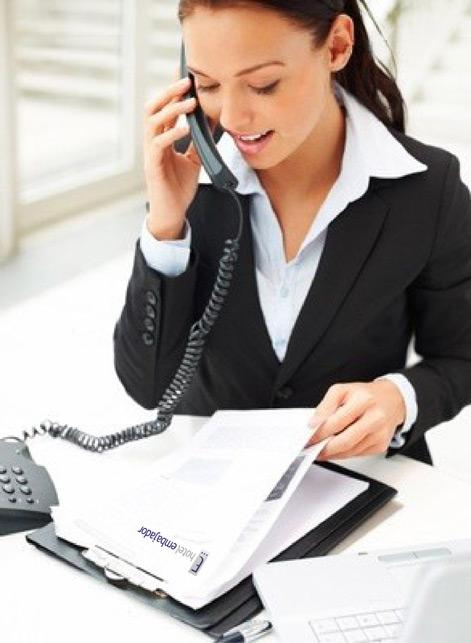 Деловой костюм является неотъемлемым атрибутом каждой бизнес-леди и офисной сотрудницы